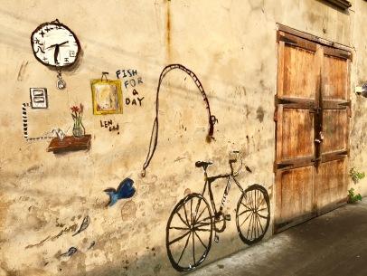 bike-on-wall